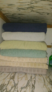 Various bath towels LOT SALE $20 takes all!