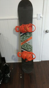 Forum snowboard and firefly boots