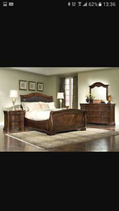 Queen size mahogany bed