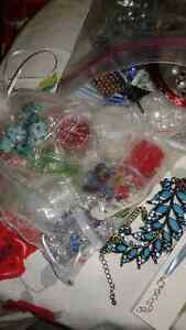 Bag of jewelry and creative jewelry supplies. All sorts. Kingston Kingston Area image 2