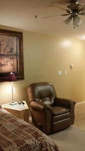Studio Apt. Fully Furnished. Fort Sask. Month to Month Lease
