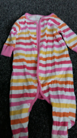 Baby Girls Clothes from Newborn to 6 months.