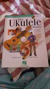 LEARN HOW TO PLAY UKULELE BOOK WITH TWO CDS