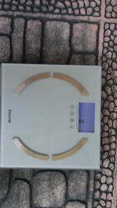 $6 ditital Bathroom scale accurate