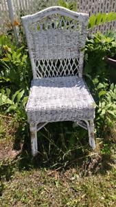 Chaises en rotin décorative blanche