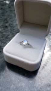 14K White Gold ring with Moonstone