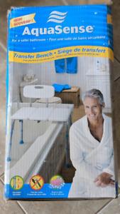 Aquasense transfer bench