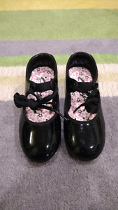 Kids tap shoes 9M
