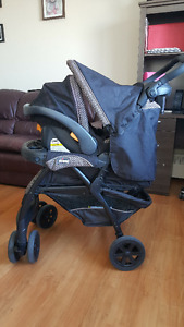 Système de voyage Chicco Cortina travel system and jumper