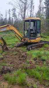 Mini Excavtor 3/5 ton For Rent $300 for day