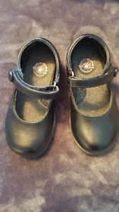 Toddler Girl Size 7 Buster Brown's Party Shoe