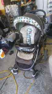 Folding graco stroller  used West Island Greater Montréal image 1