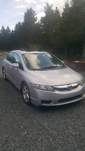 09 SILVER HONDA CIVIC WITH SUN ROOF