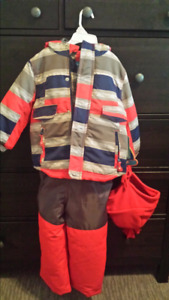Boys winter snow suite for 3t. Brand new