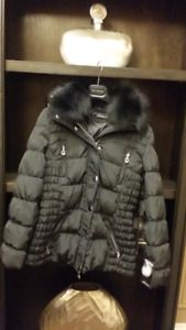 BRAND NEW Black Downfill Coat with FOX collar