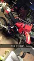 1982 cr125 2stroke 6 speed tranny with papers & plate