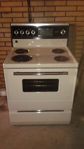 KENMORE STOVE FOR SALE!