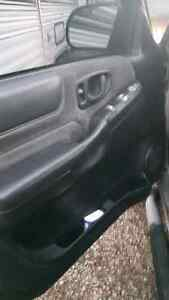 Parting out a 2001 GMC Sonoma ZR2 Kitchener / Waterloo Kitchener Area image 6