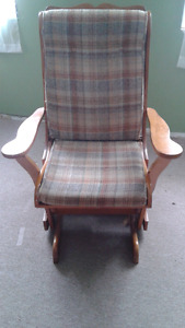 Selling  a wooden  Rocking  chair /Glider