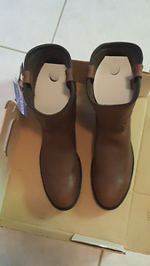 leather boots and shoes for sale