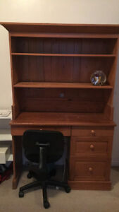 Wooden desk with detachable hutch Unit