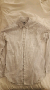 Aritzia Talula boyfriend fit button up - size small