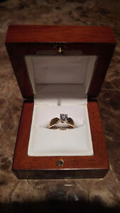Ladies 18K diamond ring brand new complete with Appraisal