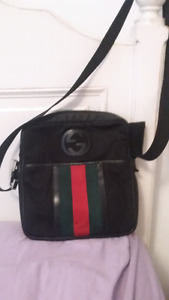 Authentic Gucci messanger bag