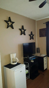 Fully furnished room for rent in Innisfail.