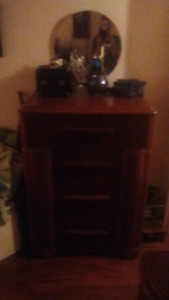 3oo 4 al Antique dressers,great condition,solid mahogony and oak