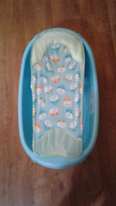 Baby bath with hammock and bath seat