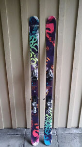 Salomon Suspect 161 Skis + Bindings + Poles + Ski bag. 100$.