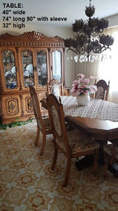 Hand crafted Solid wood antique style Dining Room 9 pc set