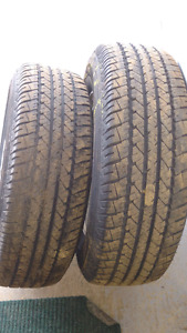 Pair of 2 tires 215/70/15 almost new !!!