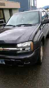 Selling 2007 chevy trailblazer ls mint condition