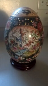 Vintage Satsuma Hand Painted Egg Gold Moriage with Wooden Stand