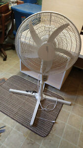 Adjustable height floor stand fan with remote (adjustable speed)