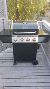 Propane BBQ for sale in Leslieville - excellent condition!