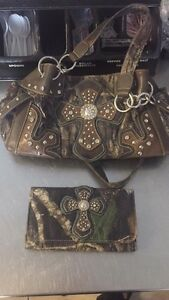 Matching camo purse and wallet