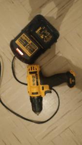 12v dewalr drill perfect condition