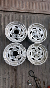 5 bolt Ford eagle alloy mags