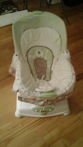 Chaise apaisante Fisher Price Soothing Motions Glider