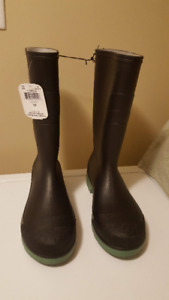 Men's Rubber Boots - Size 10 - Made In Canada - New With Tag
