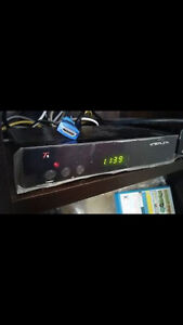 dreamlink t5 Blue DL100 Factory Installed HD 8PSK Mint With Remo