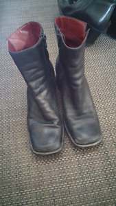 Leather Boots Size 6
