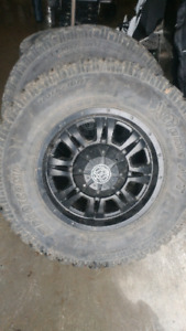 305 65 17 on ford 6 bolt rim
