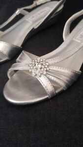 Ladies silver dress shoes
