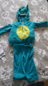 Carter's dragon costume size 18 months old