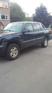 2004 CHEVROLET AVALANCHE Z71 $3000 firm