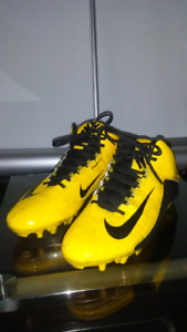 Nike Alpha Dynamic Fit Football/Soccer Cleats Size 12 US/ 46 Eur